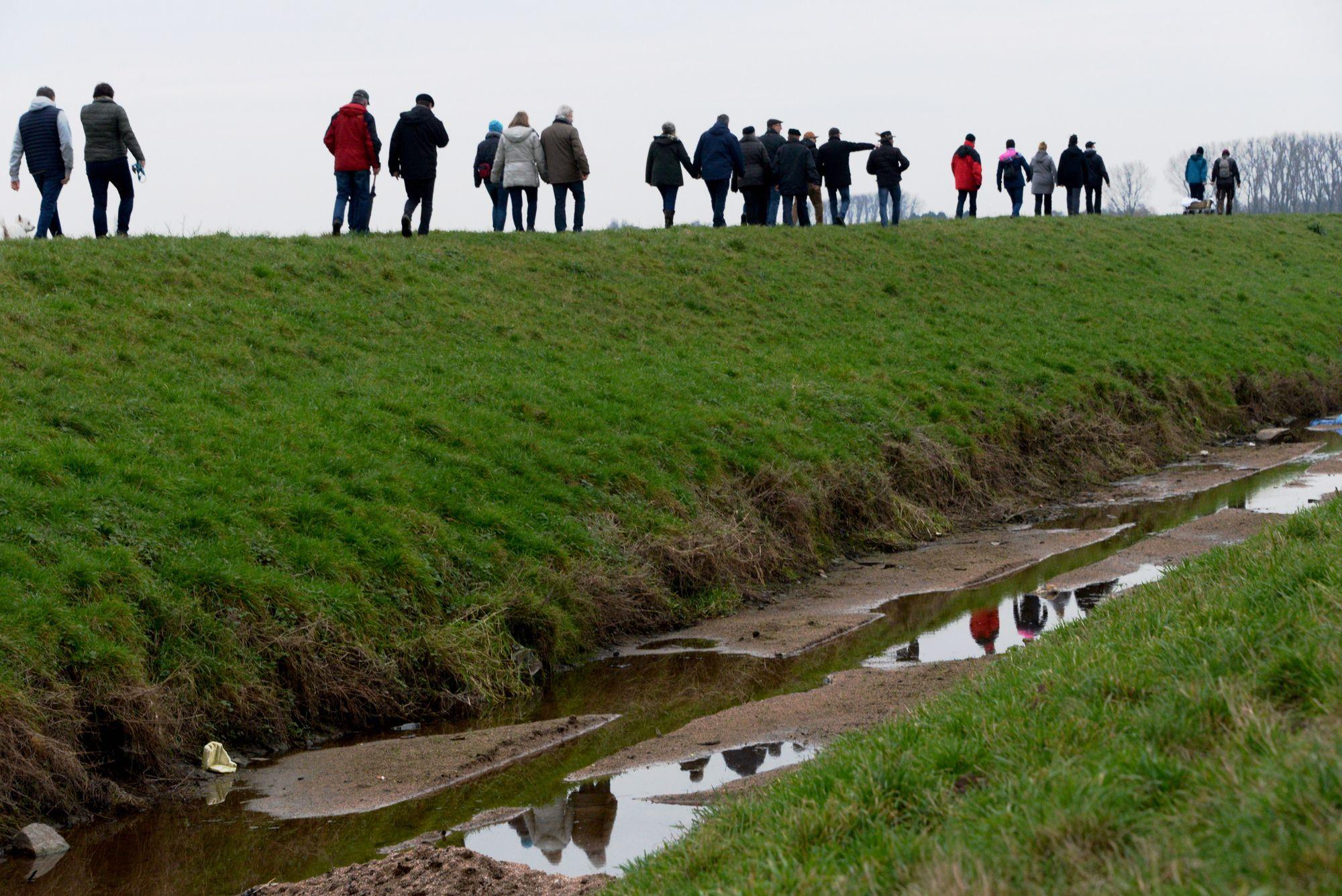 Germania eröffnet ihr 120jähriges Jubiläum mit einer Grenzwanderung